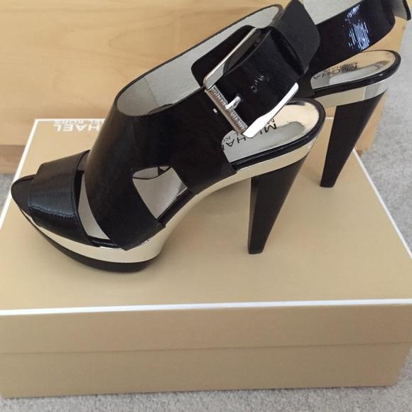 8bdbb601b4e Michael Kors Carla Platform Sandals Size 5.5 NIB. M 5ac2c3e49d20f0c1a9e4cdbe